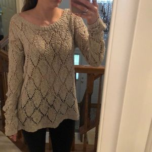 Abercrombie & Fitch beige sweater
